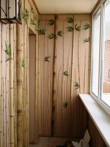 Бамбук в интерьере балкона